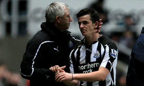 Alan Pardew shakes hands with Joey Barton after Newcastle's 3-1 vs. Liverpool