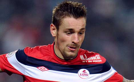 Mathieu Debuchy in action for Lille