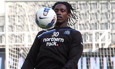 Nile Ranger control a ball in training at Benton, Newcastle