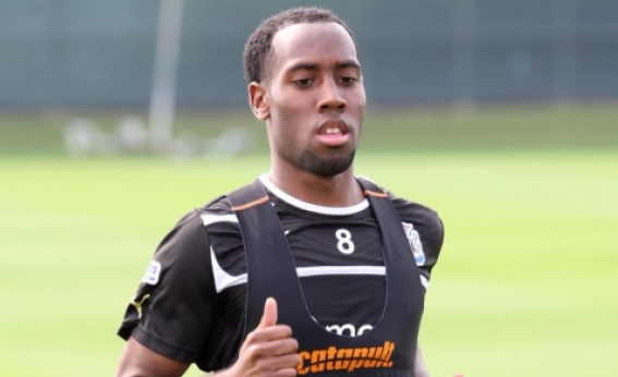 Vurnon Anita during training