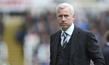 Alan Pardew looks on from the sidelines