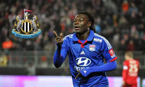 Bafetimbi Gomis celebrates after scoring for Lyon