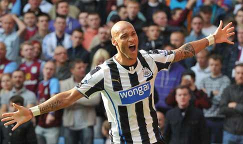 Yoan Gouffran celebrates scoring the winner against Aston Villa