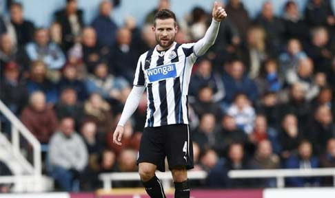 Yohan Cabaye salutes the NUFC supporters after scoring against West Ham