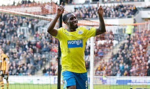 Newcastle's Vurnon Anita celebrates after scoring against Hull
