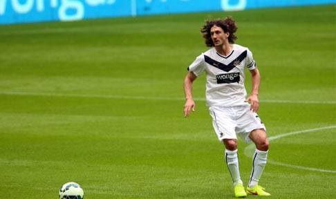 Fabricio Coloccini in action against Real Sociedad