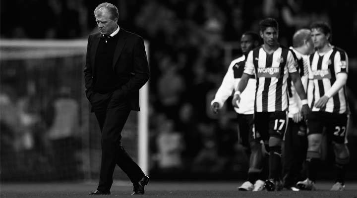 Steve McClaren looks dejected as Newcastle United are beaten by West Ham
