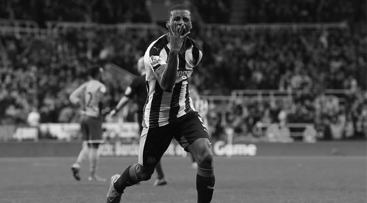 Gini Wijnaldum celebrates scoring his fourth goal against Norwich City